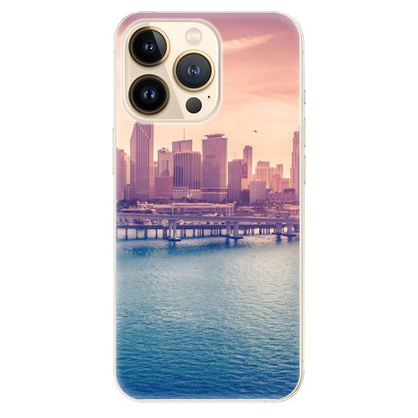 Odolné silikonové pouzdro iSaprio - Morning in a City - iPhone 13 Pro Max